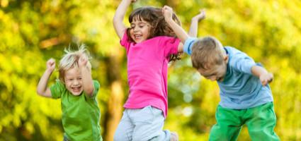 Programează-ți o ședință de  Psihoterapie copii si adolescenti